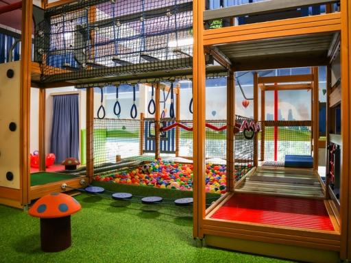 fun-at-giggles-kids-playground